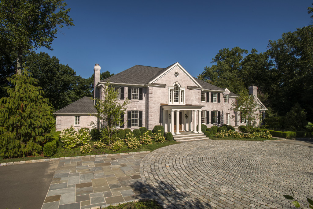 Clearview Lane, New Canaan, CT; Sold for $5,100,000