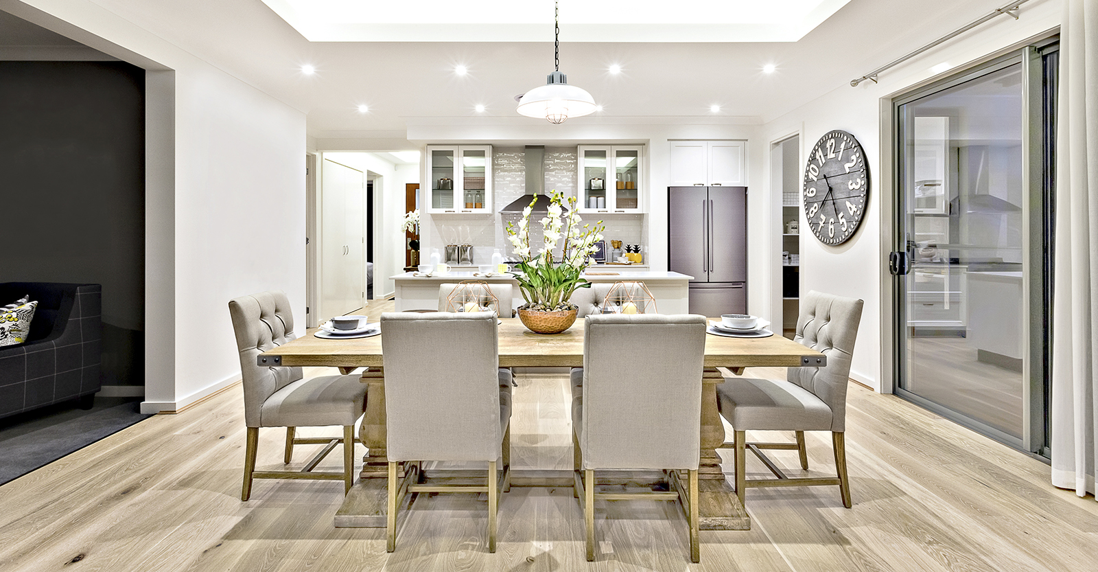 Feast Your Eyes On These 6 Dining Room Table Trends